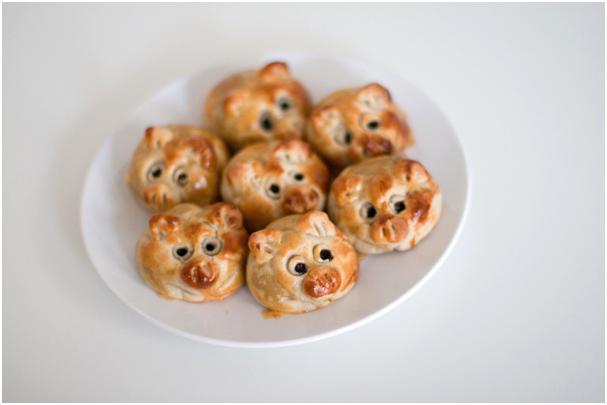 PiggyMooncakes 04